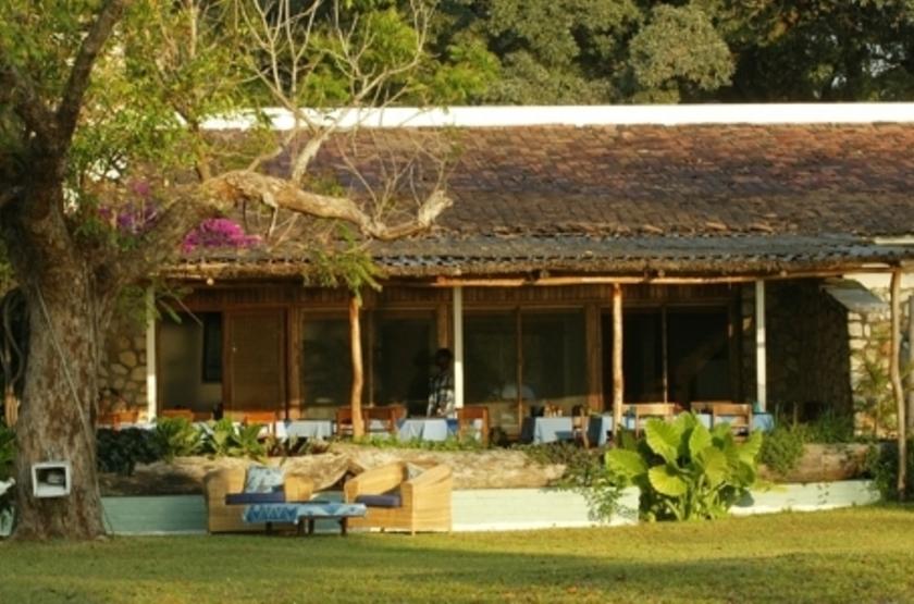 Chintetche Inn, lac Malawi, exterieur
