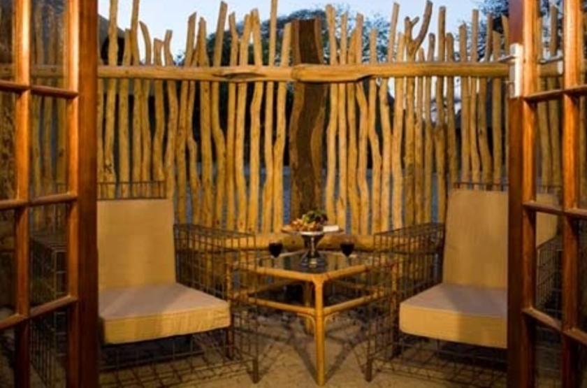 Okaukuejo Rest Camp, parc d'Etosha, Namibie, terrasse