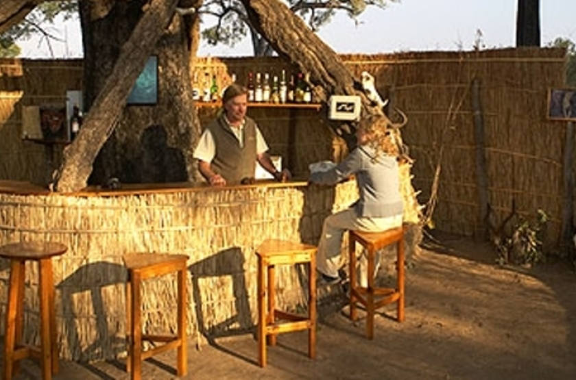 Mwamba Camp, South Luangwa, Zambie, bar