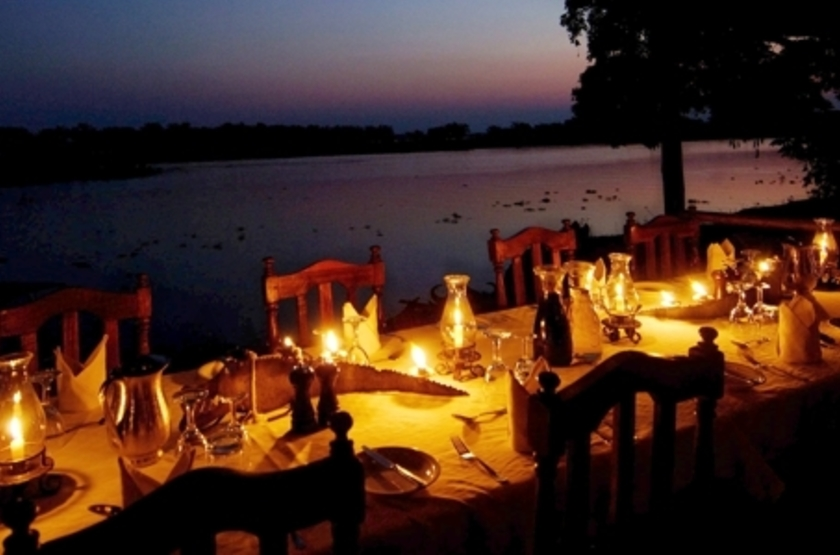 Old Mondoro, Lower Zambezi, Zambie, dinning room