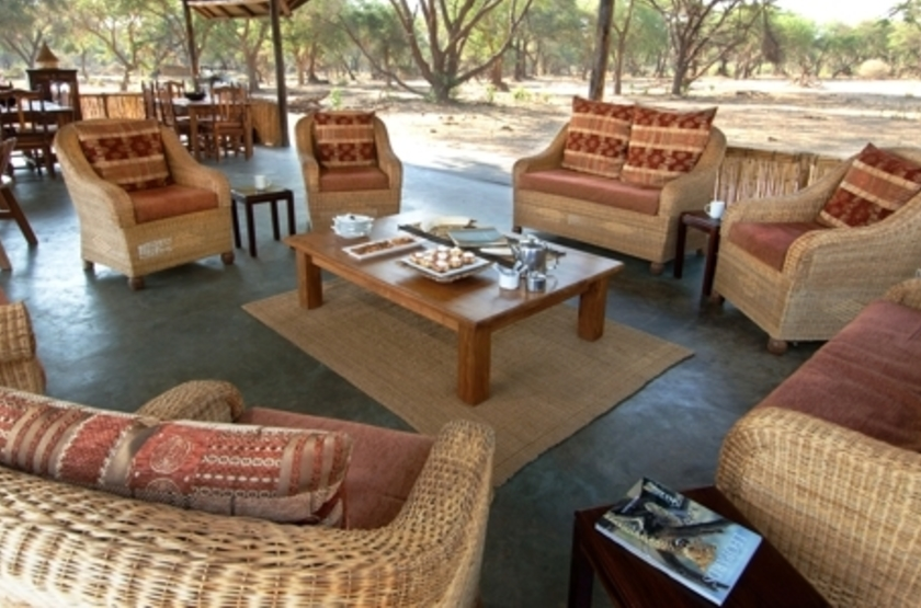 Old Mondoro, Lower Zambezi, Zambie, lounge