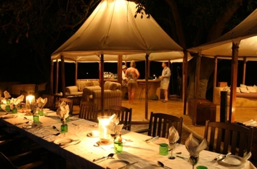 Sausage Tree Camp, Lower Zambezi, Zambie, dinning room