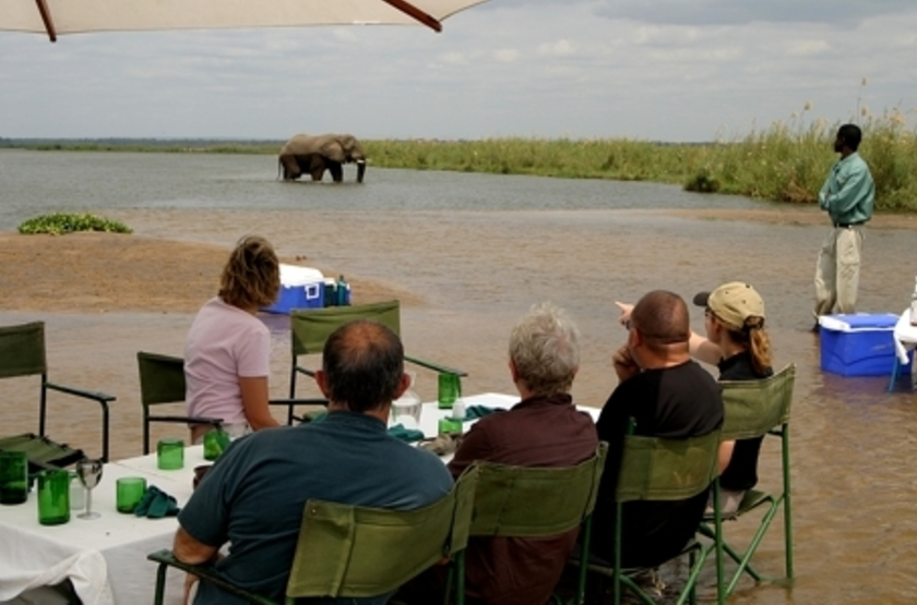 Sausage Tree Camp, Lower Zambezi, Zambie, safari en bateau