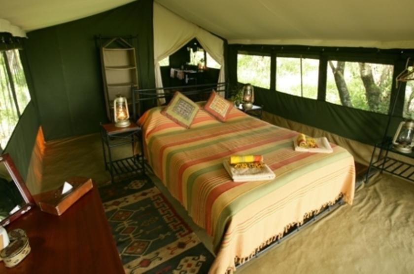 Elephant Pepper Camp, Masai Mara, Kenya, tente intérieur