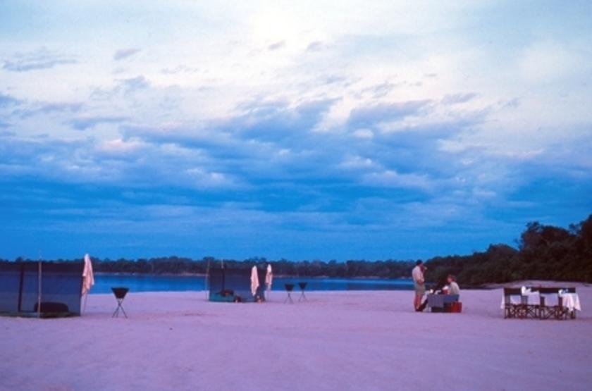 Sand Rivers, Reserve de Selous, Tanzanie, restaurant extérieur