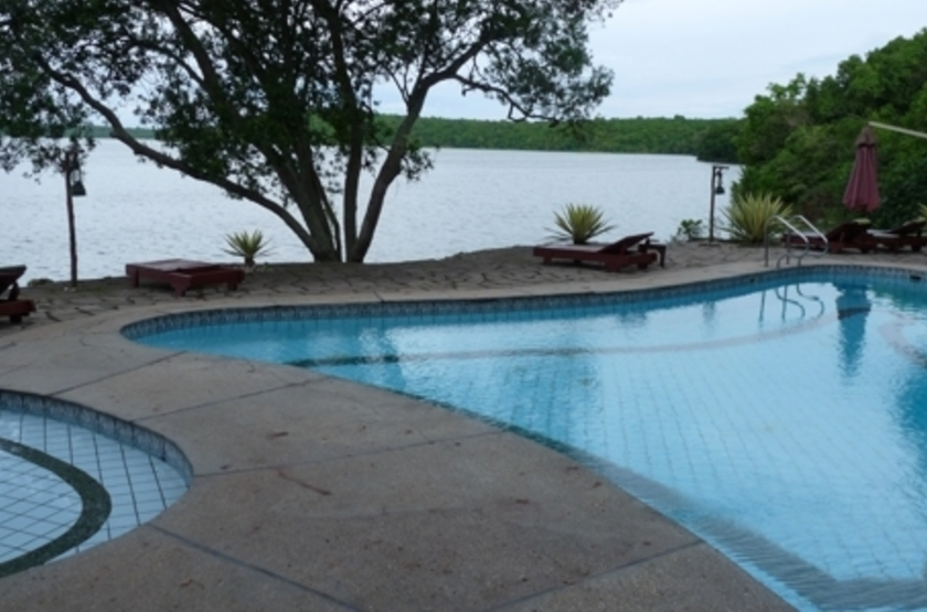 Jacana Safari Lodge, lac Nyamusingir, Ouganda, piscine