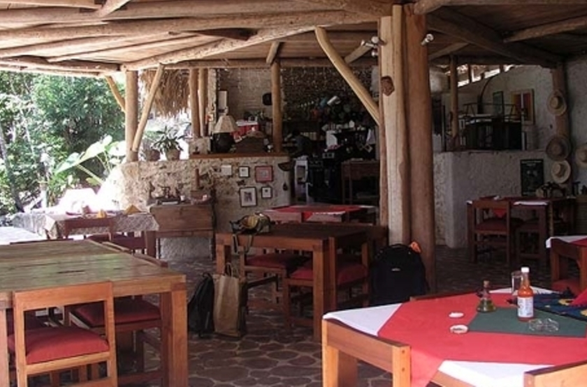 Nitun And Private Reserve, lac Peten Itza, Guatemala, restaurant