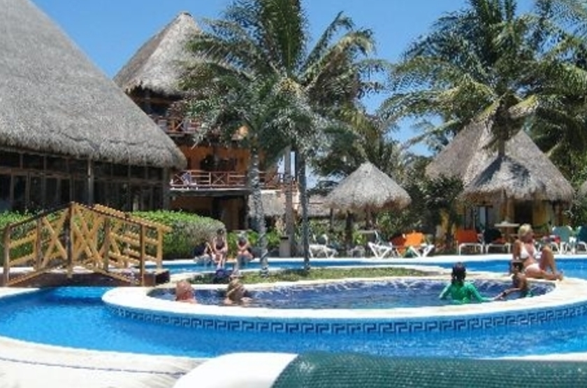 Shangri La Caribe Resort, Playa del Carmen, Mexique, piscine