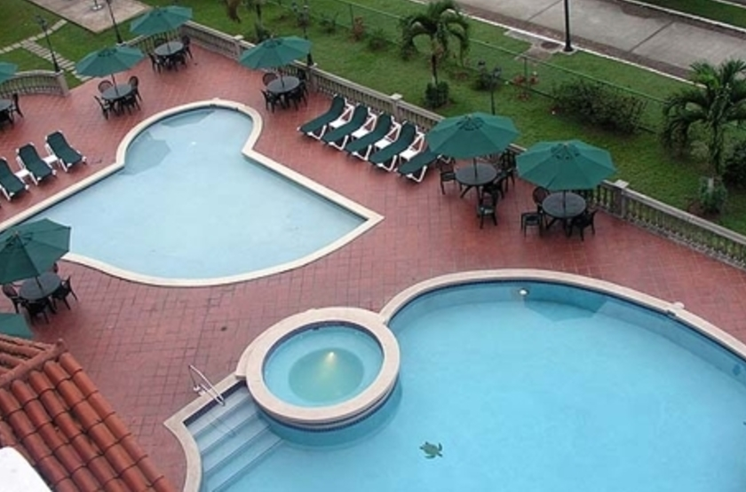 Country Inn & Suites by Carlson, Canal du Panama, piscine