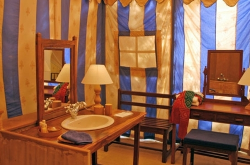 Mool Raj Sagar Camp, Jaisalmer, Inde, salle de bains