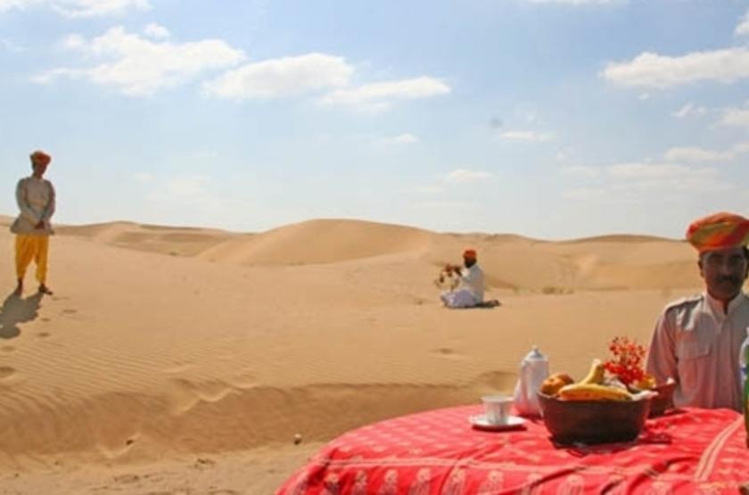 Mool Raj Sagar Camp, Jaisalmer, Inde, dans le désert du Thar