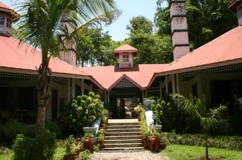 Riverside Springs Resort, Kurintar, Népal, entrée