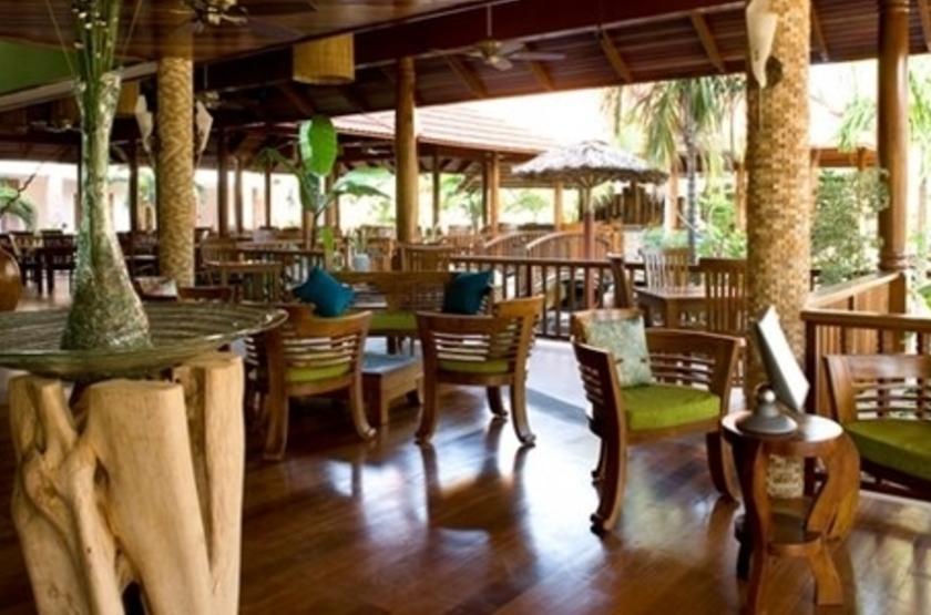 L'hôtel le Duc de Praslin, Seychelles, bar restaurant