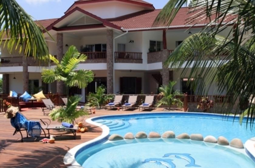L'hôtel le Duc de Praslin, Seychelles, piscine