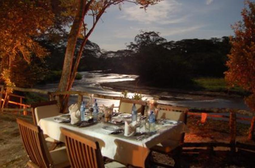 Ishasha Tented Camp, Ouganda, dîner