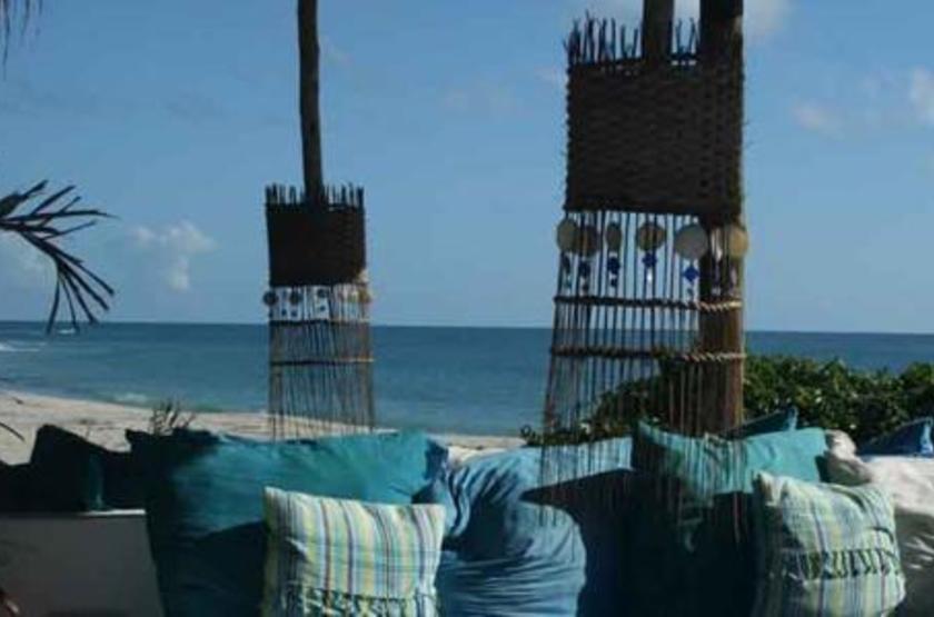 Ras Kutani Lodge, Tanzanie, sur la plage