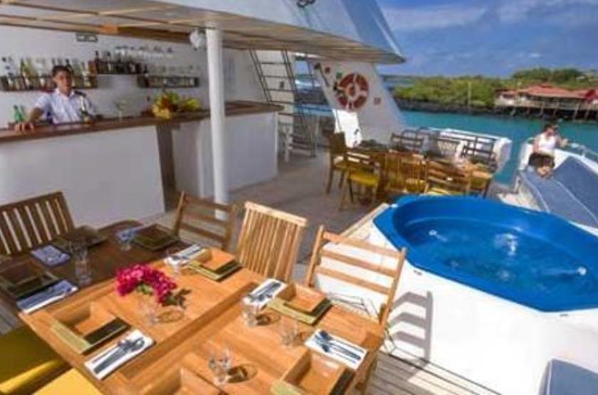 Catamaran Athala II, Galapagos, Equateur, jacuzzi