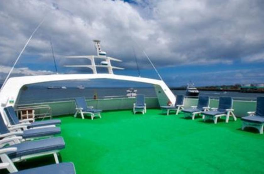 Catamaran Athala II, Galapagos, Equateur, pont supérieur