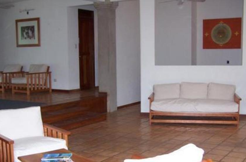 Capitan Suizo, Tamarindo, Costa Rica, salon