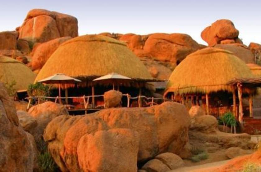 Camp Kipwe, Twyfelfontein, Namibie, extérieur