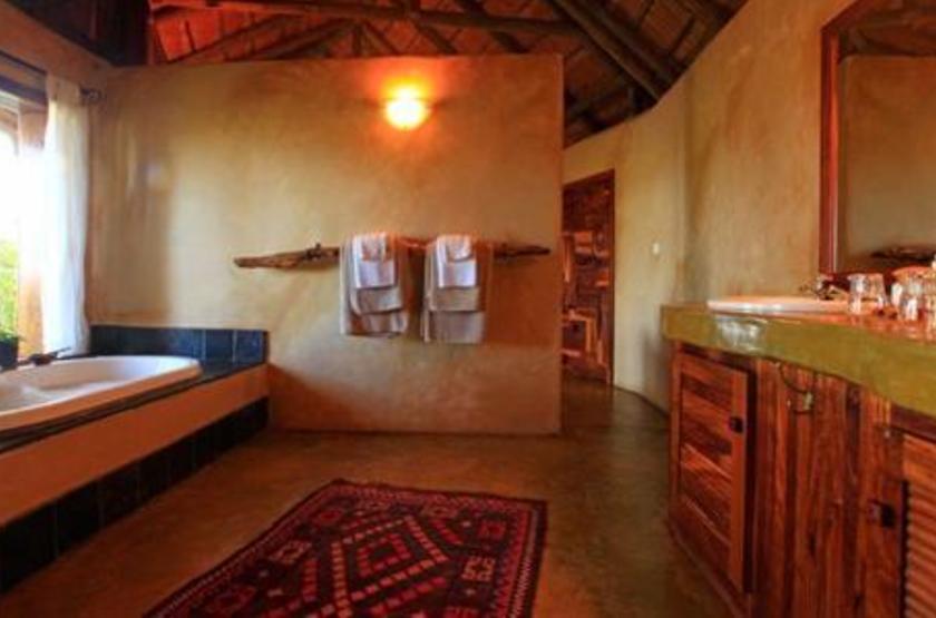 Susuwe Island lodge, Parc National Bwabwata, Namibie, salle de bains