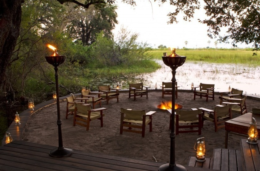 Abu Camp, Delta de l'Okavango, Botswana, camp fire
