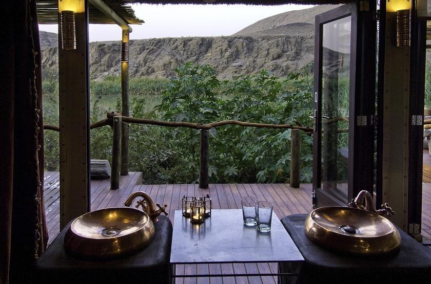 Namibie   serra cafema   salle de bain slideshow