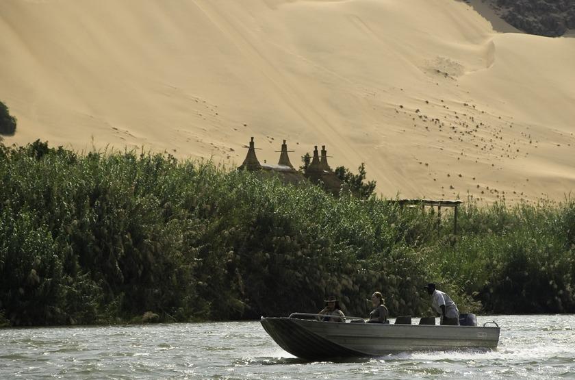 Namibie   serra cafema   bateau   kunene slideshow