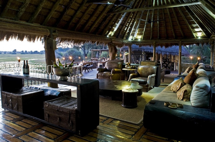 Mombo Camp, Moremi, Botswana, salon-bar