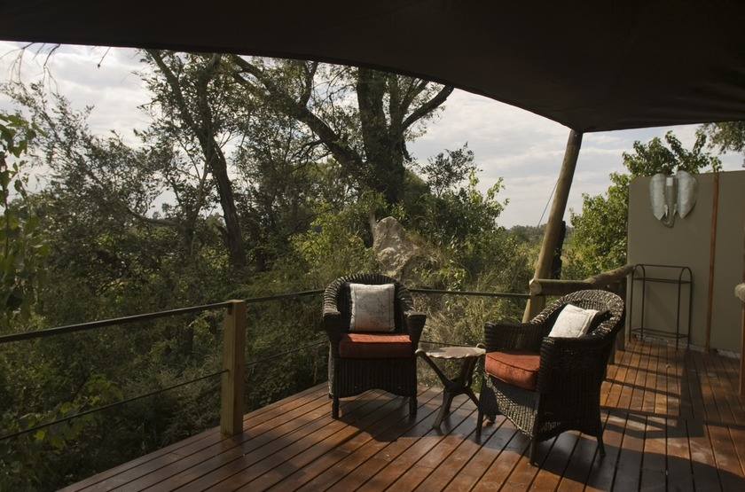 Botswana   chitabe camp   terrasse slideshow