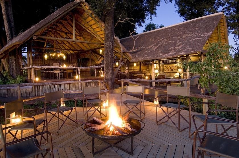 Botswana   duba plains   feu de camp slideshow