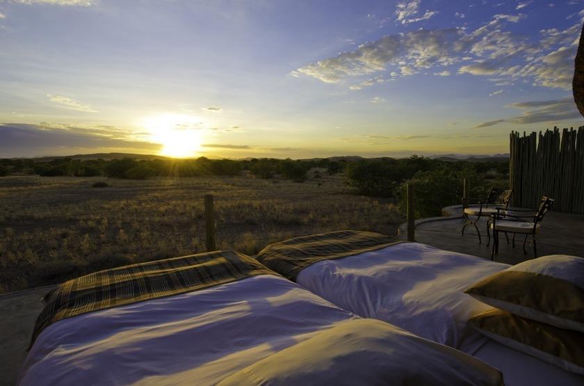 Doro Nawas, Damaraland, Namibie, lit sur le toit