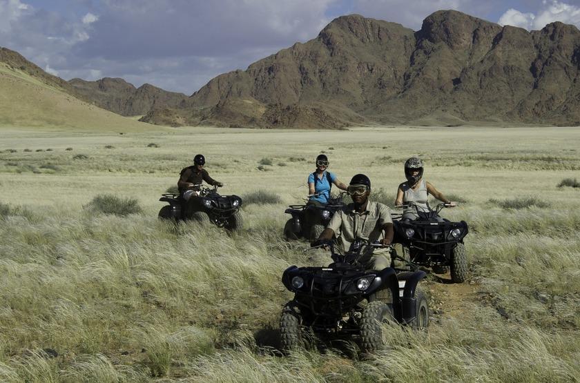 Kulala Desert Lodge, Sossuvlei, Namibie, balade en quad