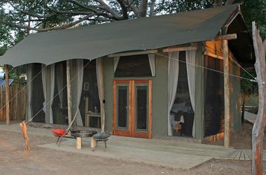 Zimbabwe zambeze   ruchomechi tent listing