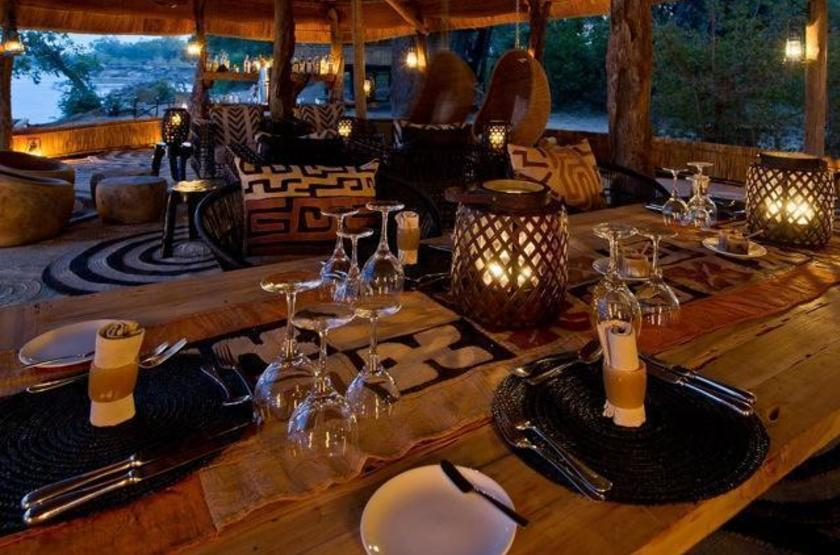 Chamilandu Camp, South Luangwa, Zambie, dinning room