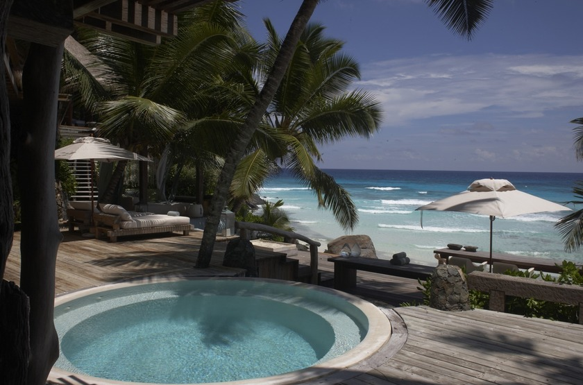 Seychelles   north island   piscine privee mer slideshow
