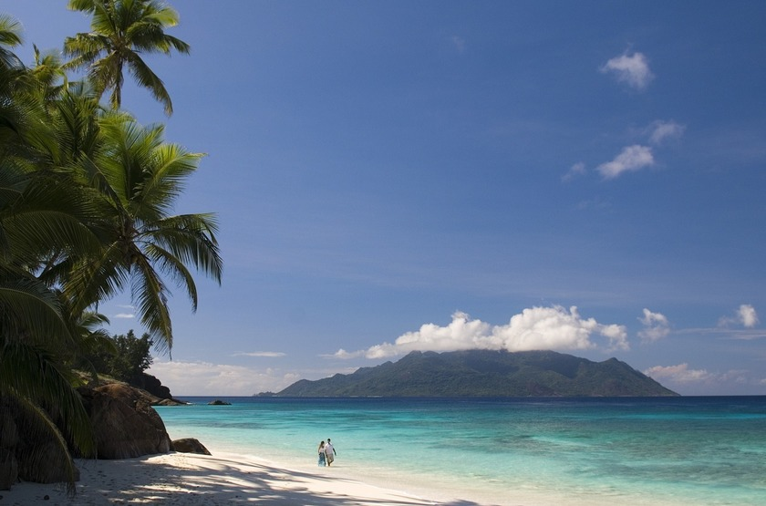 Seychelles   north island   plage   3 slideshow