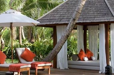 Denis island lodge   denis   terrasse beach cottage listing