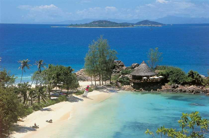 Seychelles   praslin   lemuria resort   beach bar 2 slideshow