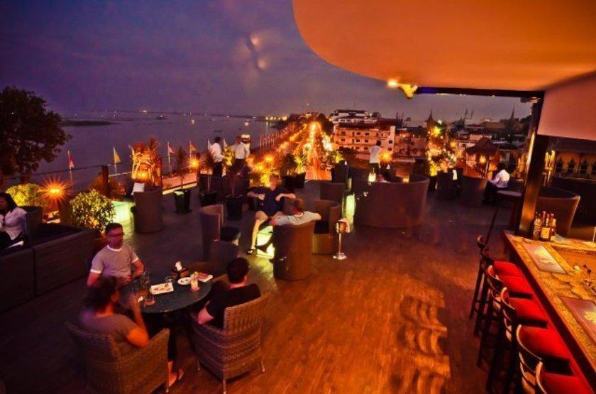 Amanjaya Pancam Hotel, Phnom Penh, Laos, terrasse