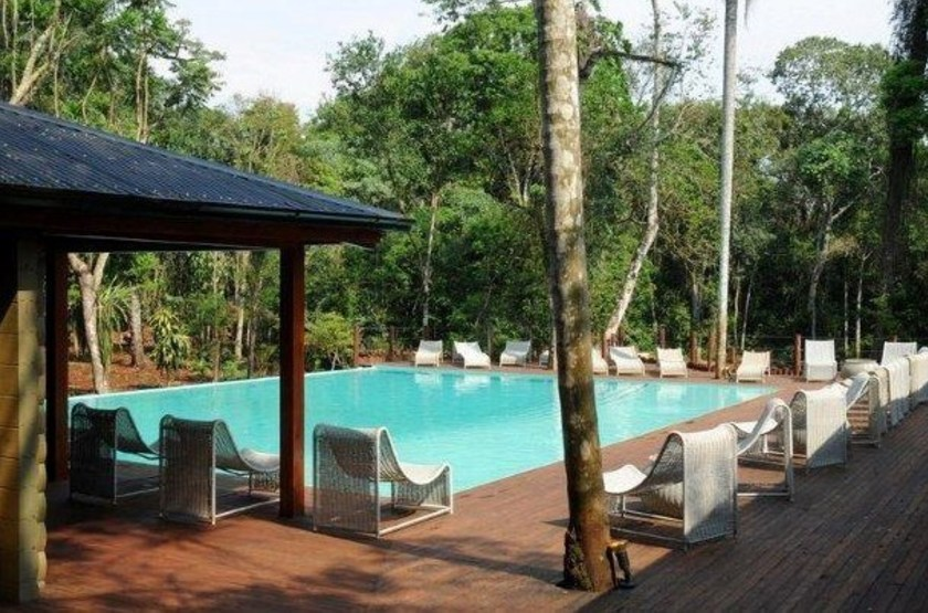 Le jungle lodge la cantera   piscine2 slideshow