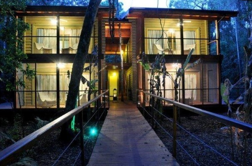 Le jungle lodge la cantera   vue exterieur nuit slideshow