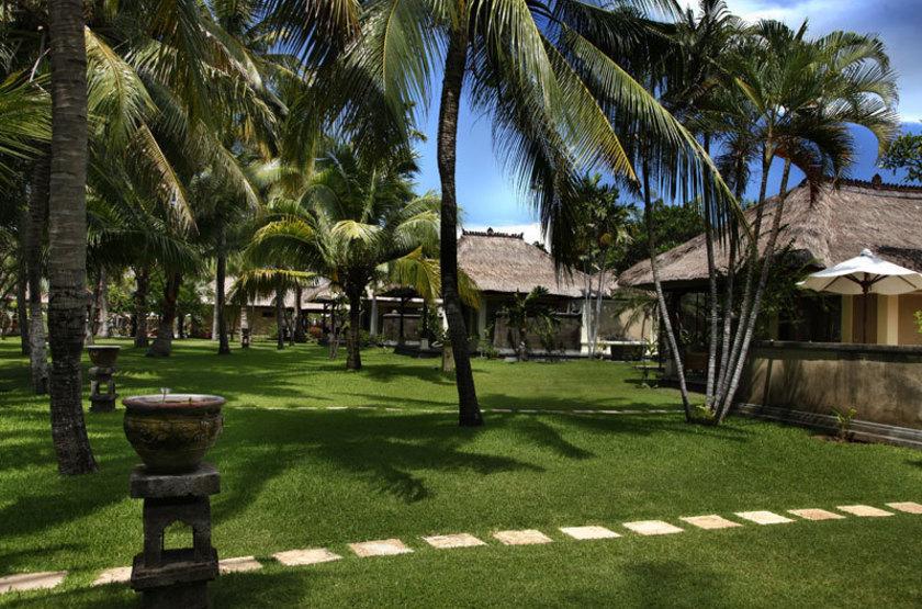Puri Bagus Lovina, Bali, Indonésie, jardin
