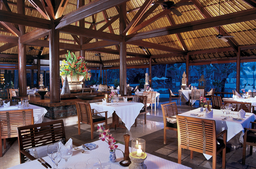 Indonesie   oberoi lombok lumbung restaurant slideshow