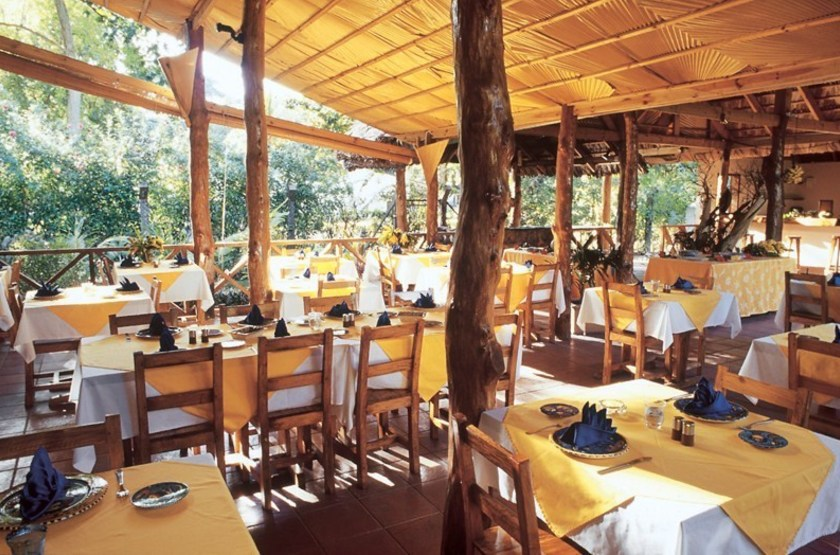 Le laurier   praslin   restaurant slideshow