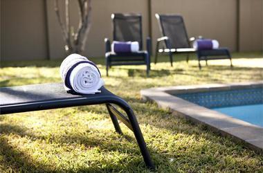 Vialla violet   windhoek   piscine2 listing