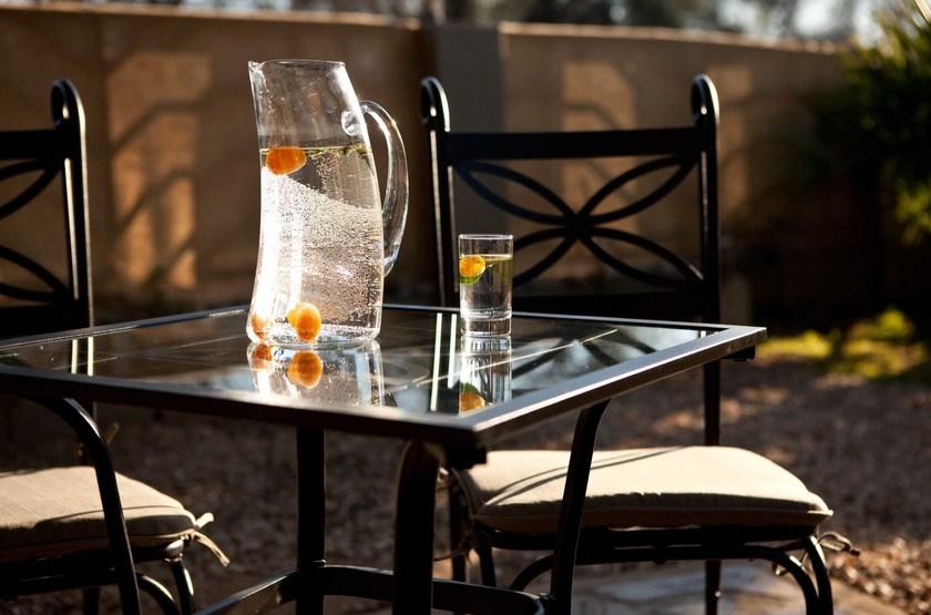 Villa violet  windhoek   table ext rieur slideshow