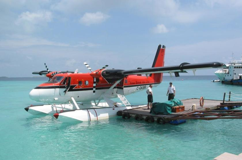 Kuredu Island Resort & Spa, Maldives, hydravion