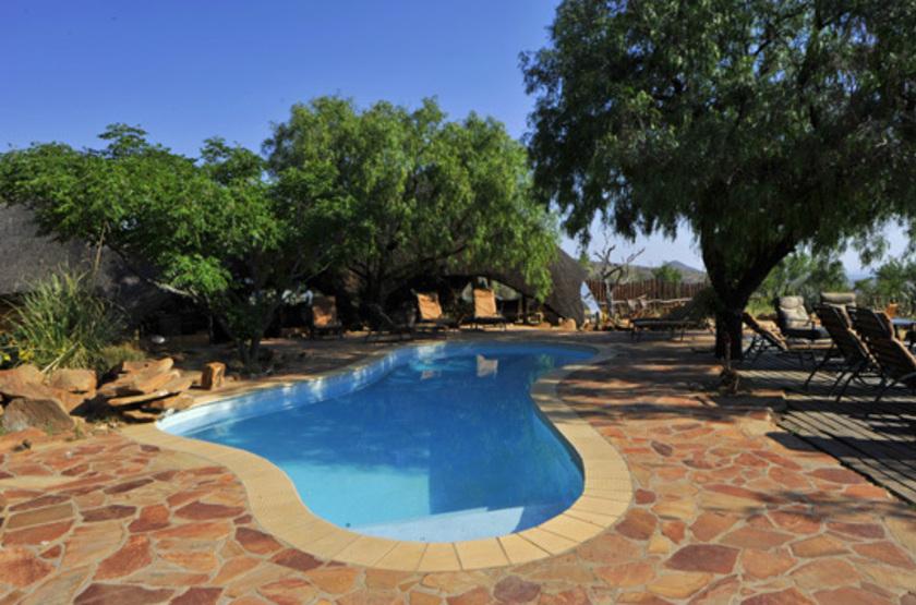 Amani lodge   namibie  windhoek   piscine slideshow