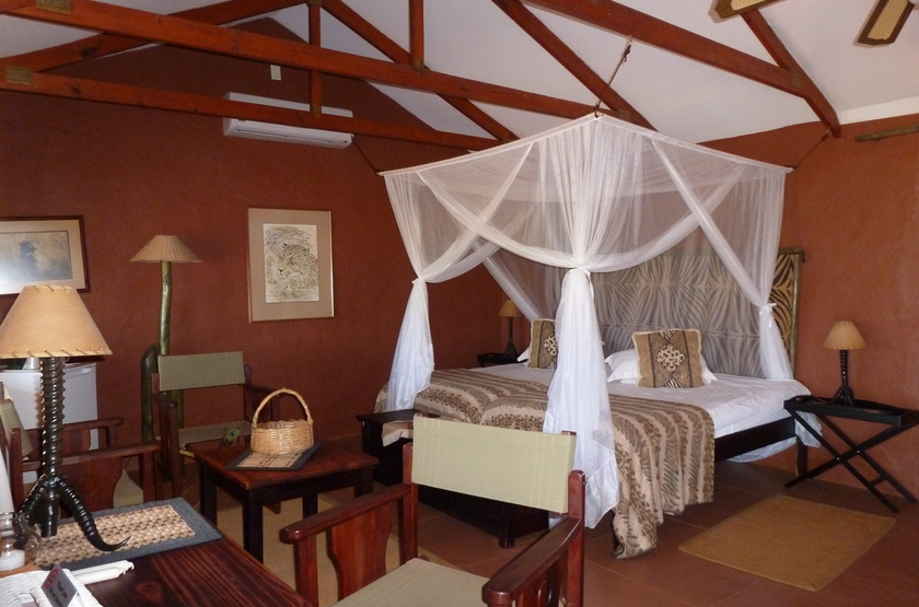 Bagatelle kalahari game ranch   namibie mariental   chambre int slideshow